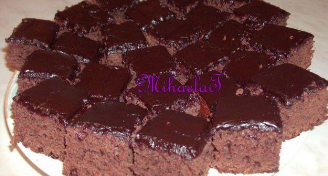 Negresa de post cu glazura de ciocolata