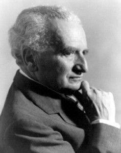 Kármán (Kleimann) Tódor (Budapest, 1881 – Aachen, 1963) gépészmérnök, fizikus, alkalmazott matematikus, akiknek nevét, a szuperszonikus légi közlekedés atyjaként, valamint a rakétatechnológia és hiperszonikus űrhajózás egyik úttörőjeként is ismernek.