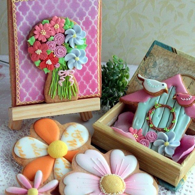 "63 Likes, 4 Comments - La Cachette (@cachettela) on Instagram: ""春よこい #アイシングクッキー#シュガークッキー#ロイヤルアイシング#花#フラワー#icingcooke #flower #sugarcookies"""