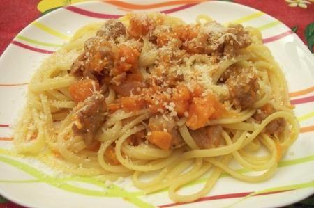 Ricetta spaghetti funghi e salsiccia in salsa di zucca