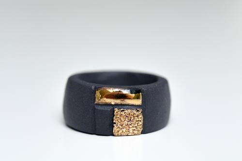 Porcelain Ring With Squares - Black And Gold