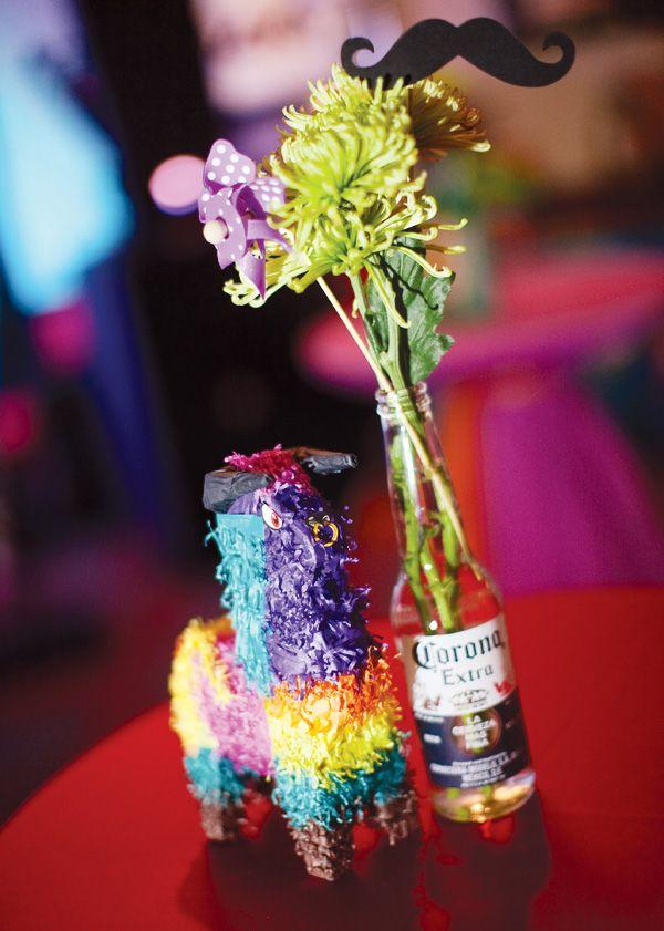 Decora las mesas de tu fiesta 5 de mayo con una mini-piñata y flores en una botella de Corona! And, of course, a moustache / Decorate the tables of your 5 de Mayo party with a mini-piñata and flowers in a Corona bottle! Y, claro, un bigote...