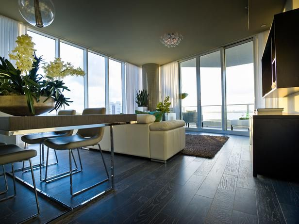 full length floor to ceiling glass walls