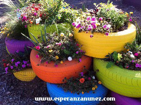 Jardin con llantas recicladas .