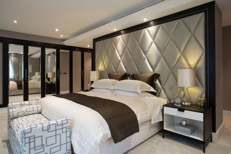 Best 25 quilted headboard ideas on pinterest for Quilted headboard bedroom sets