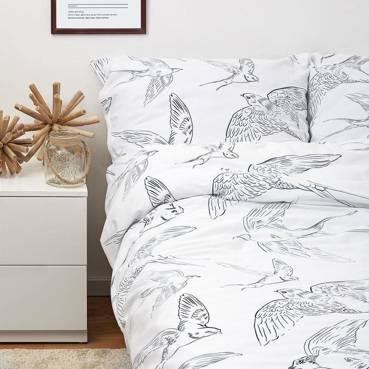 Bedroom with swallow bed linen -White pocket