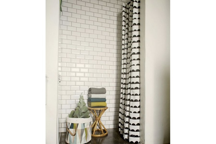 Shower curtain Half Moon http://www.pure-deco.com/decoration/1780-rideau-de-douche-half-moon.html