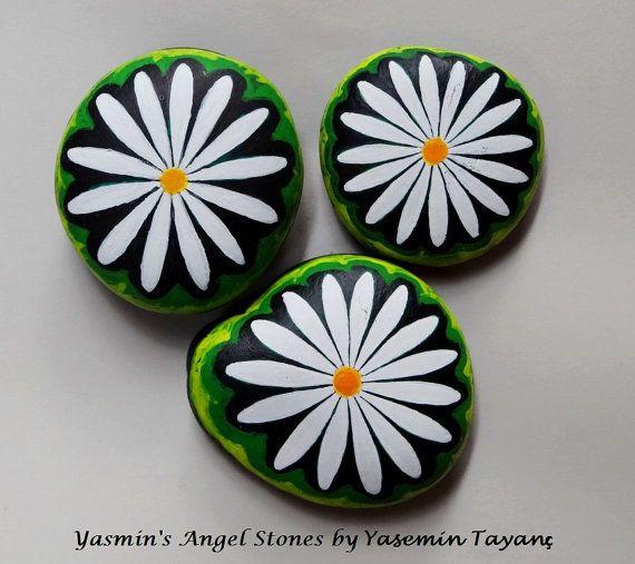 Hand Painted Stone Set of three daisies by StoneArtbyYasmin