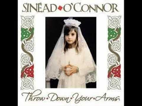 """Sinéad O'Connor - """"Jah Nuh Dead"""", """"Marcus Garvey"""" et """"Door Peep"""" Sly, Robbie & Friends accompagnent la voix magique de Sinéad sur des chansons de Burning Spear..."""