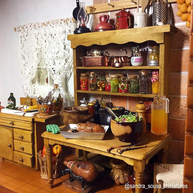 """Minhas criaçãos para o projeto """"cozinha da roça"""" escala 1/12esta pronto, espero que gostem !  ( part 1 / 2 )   #miniatureart #miniaturefood #dollhouse #dollhouseminiatures #food #fakefood #polymerclay #miniature #art #artist #fimo #clay #Kitchen #rustic #spices #meal#meat #rustickitchen #house # roça #comidabrasileira #sandra_sousa_miniatures"""