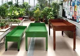 Mesas de cultivos lacadas de varios tamaños. Tamén con rodas e cañas de bambú.