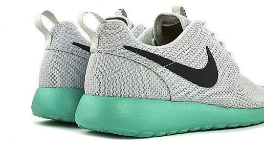 Nike roshe-run-grey-teal