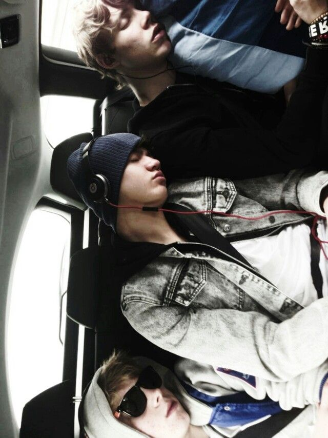 luke and calum and ashton sleeping. so precious.