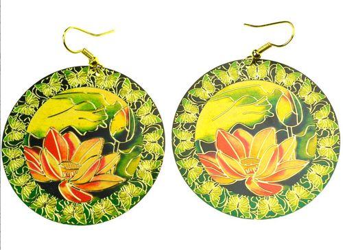 Örhängen Lotus - Härliga lotusblommor med guldinslag, guldfärgade krokar. Nickefritt.
