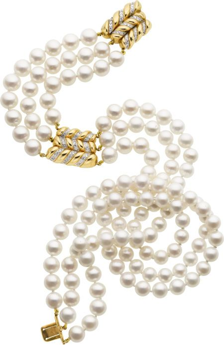 ///Pearl, diamond, and gold necklace