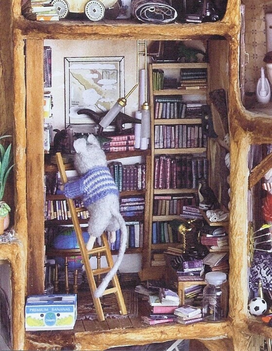 The Mouse House / 't Muizenhuis by Karina Schaapman. Book with stories & pictures of her handmade house full of detailed miniature rooms. the Netherlands