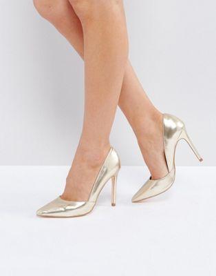 London Rebel Pointed Metallic Court Shoe
