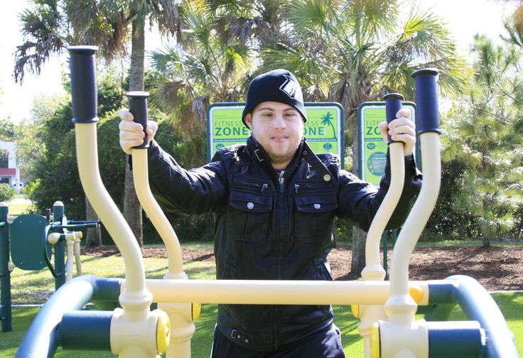 Enjoying a new #Fitness Zone in sunny Florida #outdoorfitness #myparkismygym