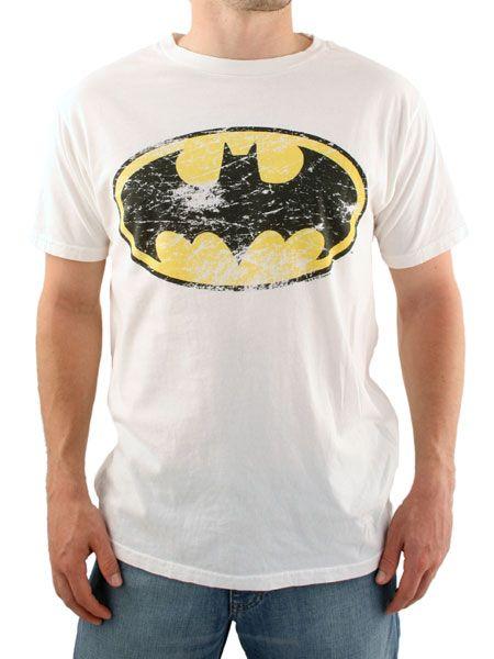 Junk Food Cream Batman Logo T-Shirt Junk Food Batman Logo T-Shirt - Mens t-shirt from Junk Food - Batman logo print to the front - Regular fitting - Product Code: JUNKBAT - Material: 100% Cotton - Colour: Cream Washing Instructions http://www.comparestoreprices.co.uk//junk-food-cream-batman-logo-t-shirt.asp