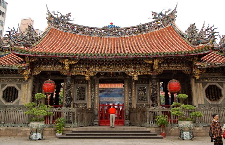 Taipei offers visitors a wide range of things to see and do including: Taipei Zoo, National Palace Museum, Mengja Longshan Temple (pictured), Taipei 101, Chiang Kai-shek Memorial Hall and the Chinese Culture and Movie Centre.