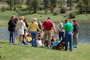 family gatherings  www.theeventpro.com: Families Events, Families Gatherings, Favorite Things, Events Coordinating, Random Things People, Country Girls, Gatherings Www Theeventpro Com, Families Picnics, Celebrity Coordinating