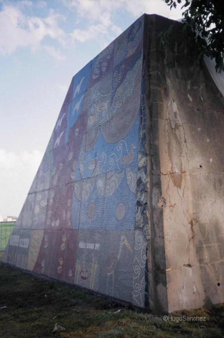 Mosaic pyramid | Céramiques Hugo Sanchez Inc