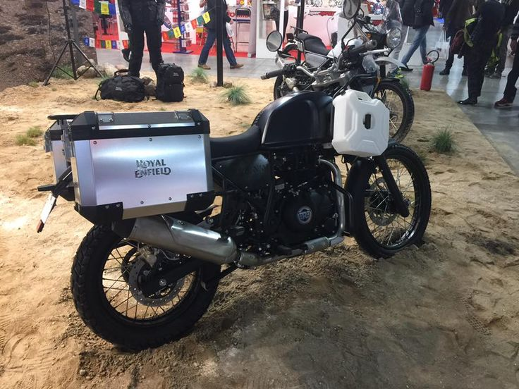 Royal Enfield Himalayan side at EICMA 2016  4599,- Euro in Deutschland ab 2017!