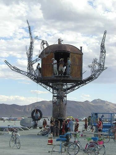 The Steam Punk Treehouse - Sean Orlando & Kinetic Steam Works: This metal tree with a recycled wood and metal house is 40' tall was created by catalina