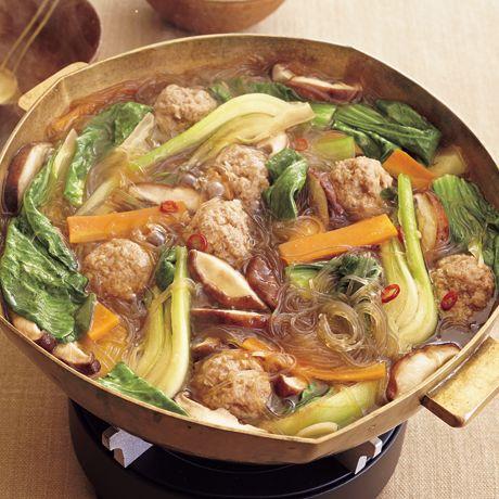 肉だんごの中華はるさめ鍋 | 市瀬悦子さんの鍋ものの料理レシピ | プロの簡単料理レシピはレタスクラブニュース