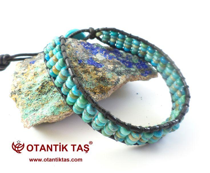TURKUAZ BİLEKLİKBilinen en eski turkuaz üreten bölgelerinden birisi tarihçiler taş fazla 2.000 yıldan mayınlı olmuştur inanıyorum Pers vardır. Bu bölgeden Turkuaz taşlar onların saf, Robin yumurta mavi renk için bilinir.