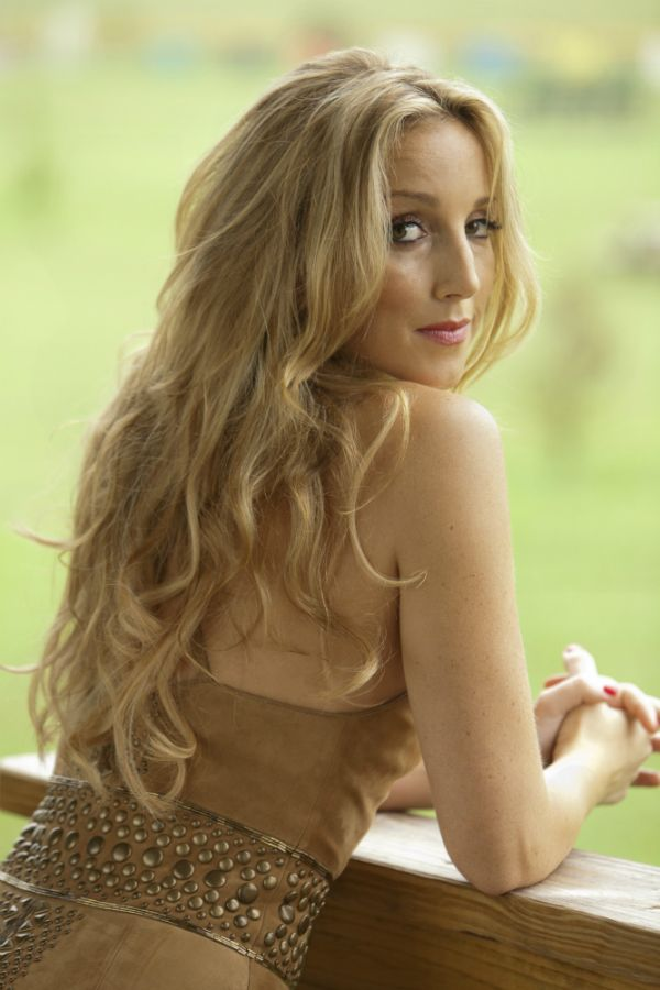 Ashley Monroe: When the Roses Bloom Again