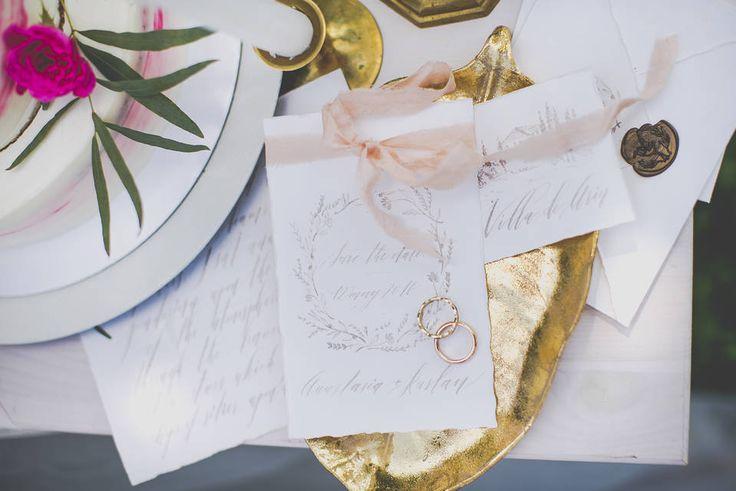 Обручальные кольца жениха и невесты. Фото: Александра Копылова. Школа свадебных идей https://vk.com/millionwedding.