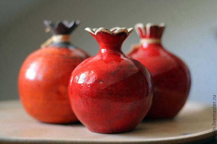 Купить Красный Гранат. Керамика. - ярко-красный, гранат, Керамика, керамика ручной работы