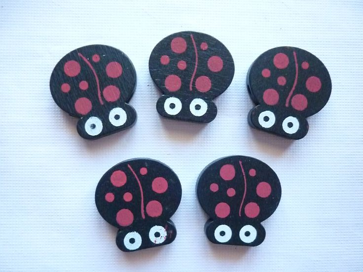 Lot de 5 perles en bois coccinelles noires à pois rouges. : Perles en Bois par laboiteabijouxnanny