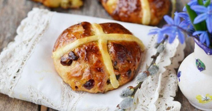 Крестовые пасхальные булочки