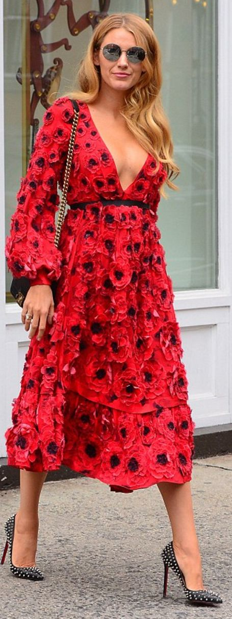 Who made Blake Lively's black handbag, spike pumps, and red floral dress?