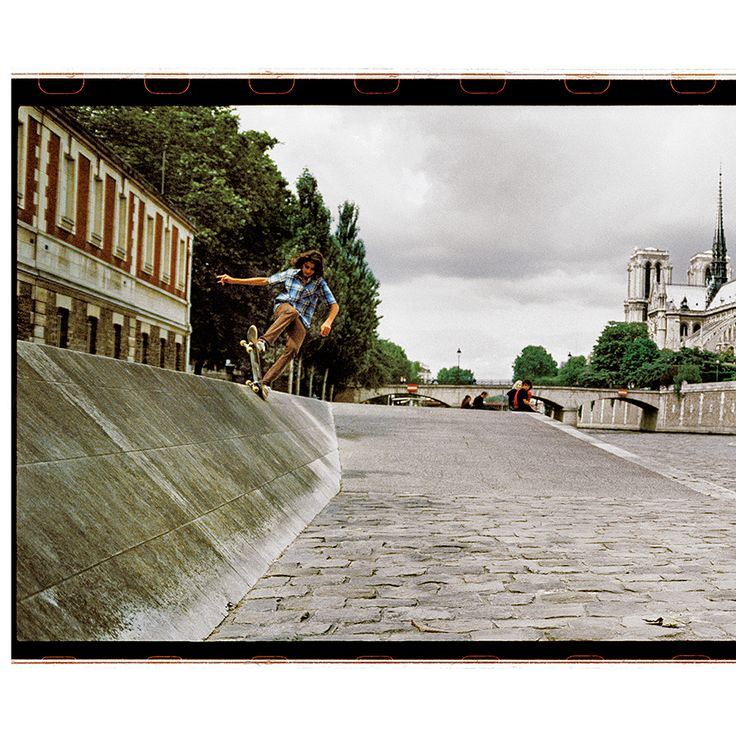 "SuGaR Skateboard Mag (@sugarskatemag) sur Instagram : ""#KevinRodrigues five-O to fakie 📷Charley #Paris #QuaisDeSeine #SuGaR #98 #2008 #xpan #panoramic ⏪👀⛴…"""