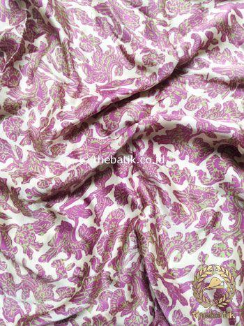 Bahan Kebaya Rok Bawahan Batik Sutera Kain Atasan Baju Ungu | Indonesia #Batiks on #Silk Painting #Textiles Batik #Fabric #Painting http://thebatik.co.id/batik-sutera/