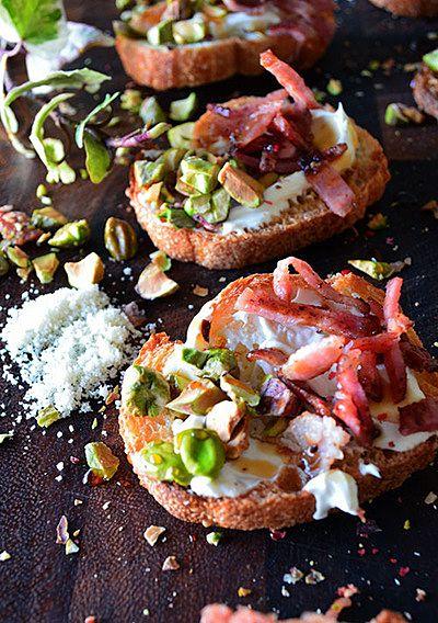フランスパンを使ったアレンジレシピをご紹介します。主食やおかずからスイーツまで幅広く使えるフランスパンって実は便利なんですね。さっそくレシピを見てみましょう!