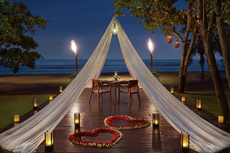 Anantara Seminyak Bali Resort - romantic dining