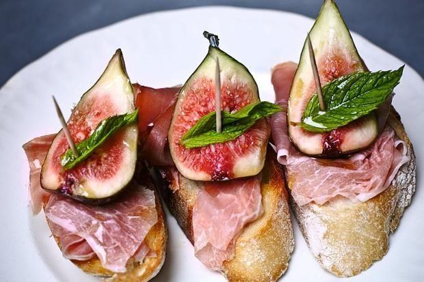 Smoked Salmon And Pancetta Crostini Recipe — Dishmaps