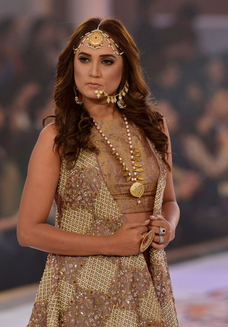 Models+presents+a+creations+by+designer+on+the+last+day+of+the+Fashion+Bridal+Couture+Week+in+Lahore++%2838%29.jpg 1,116×1,600 pixels