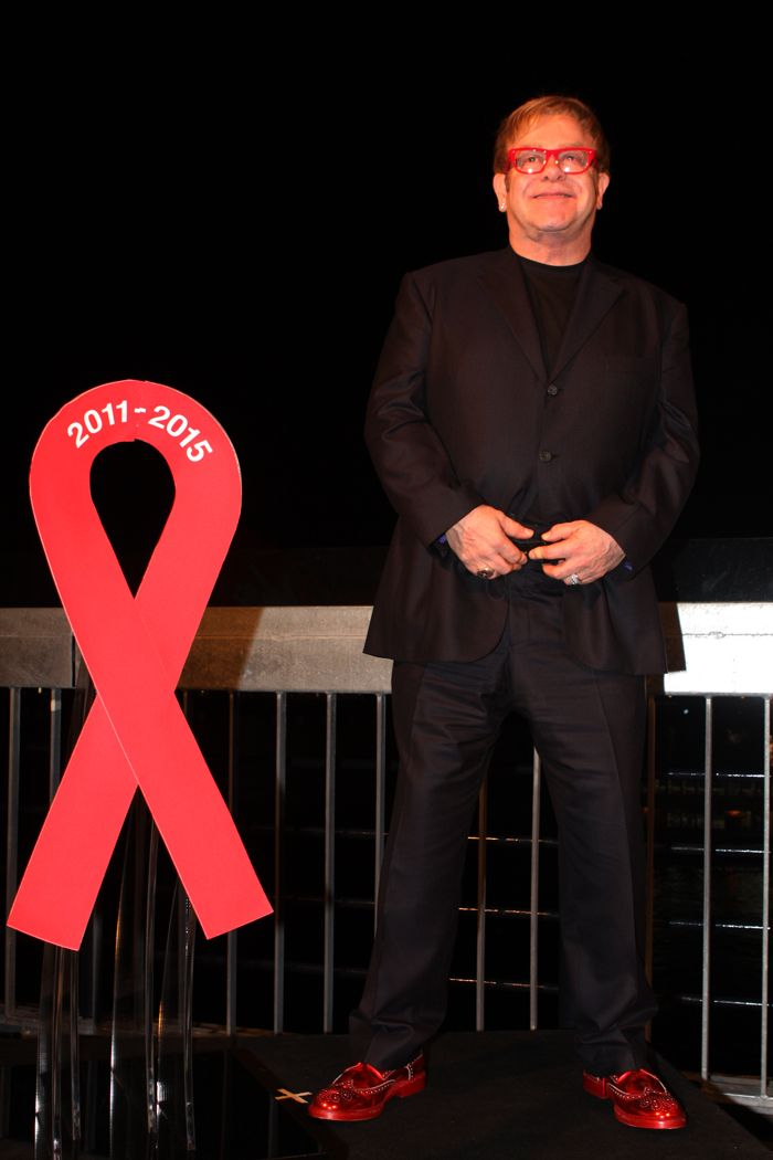 In his continuous efforts to stop the spread of AIDS worldwide, British rocker told BBC TV host Victoria Derbyshire that the end of the HIV viral epidemic is in sight in countries with advanced economies, if people are tested early enough.   #music #cureaids #eltonjohn #indiemusic