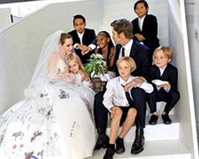 Angelina Jolie and Brad Pitt share their wedding pictures  Toronto ...