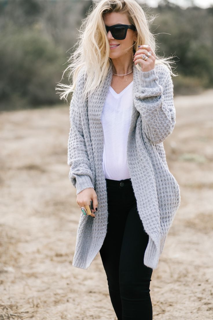 lisa allen of lunchpails and lipstick wearing a grey cardigan from Nordstrom with alexander wang booties and paige jeans