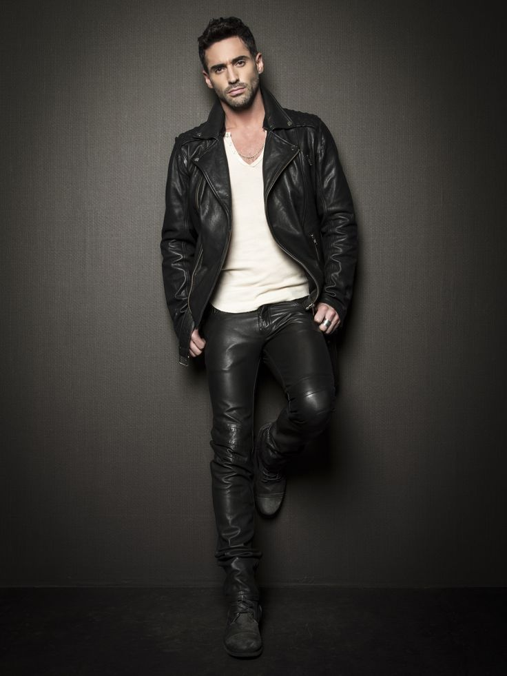 Leather jacket & jeans // men's fashion style
