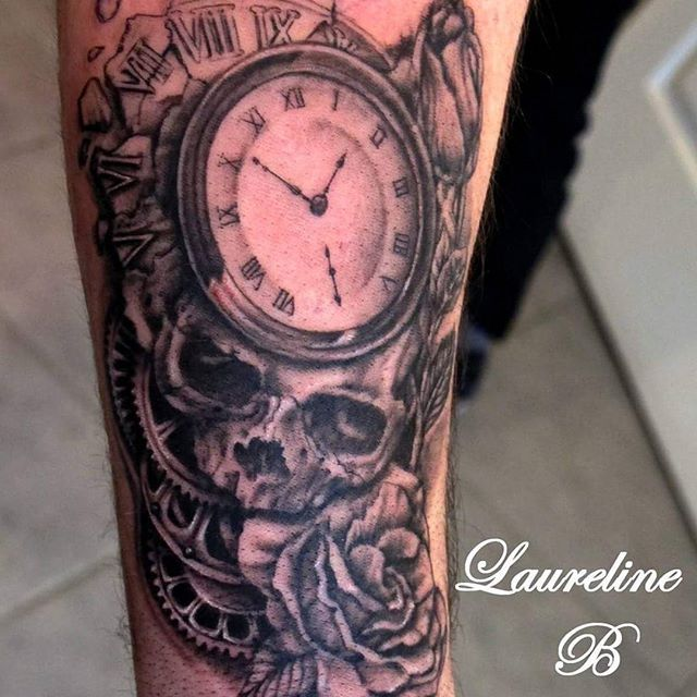 tatouage cr ne horloge rose et engrenage t a t t o o s. Black Bedroom Furniture Sets. Home Design Ideas