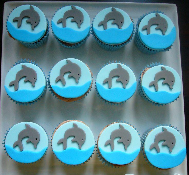 Dolphin cupcakes