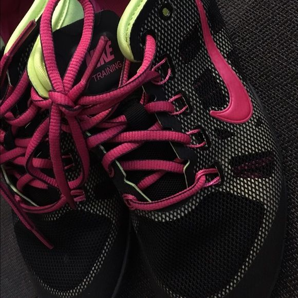 Women's Nike Training Shoes Awesome Women's Nike Training shoes. In great condition and gently used. Size 6.5. Nike Shoes Athletic Shoes