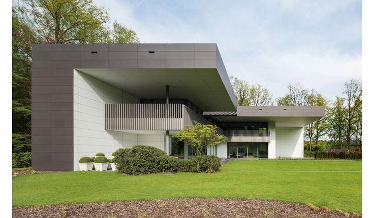 Villa sint niklaas belgium ex it architecture facade for Architecture facade villa